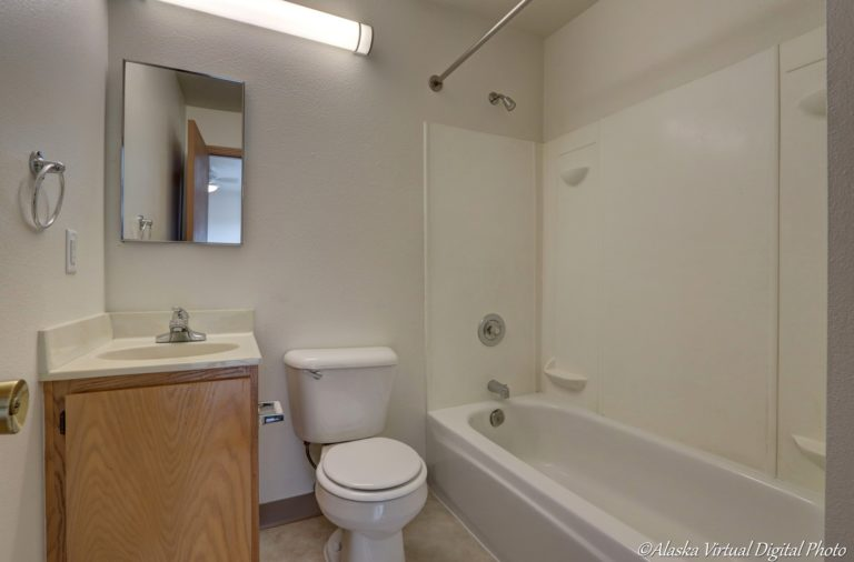 Photo of Master Bath with Tub