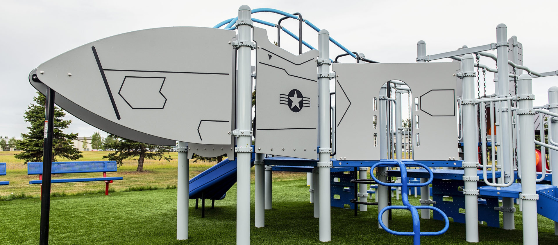 Airplane themed playground component