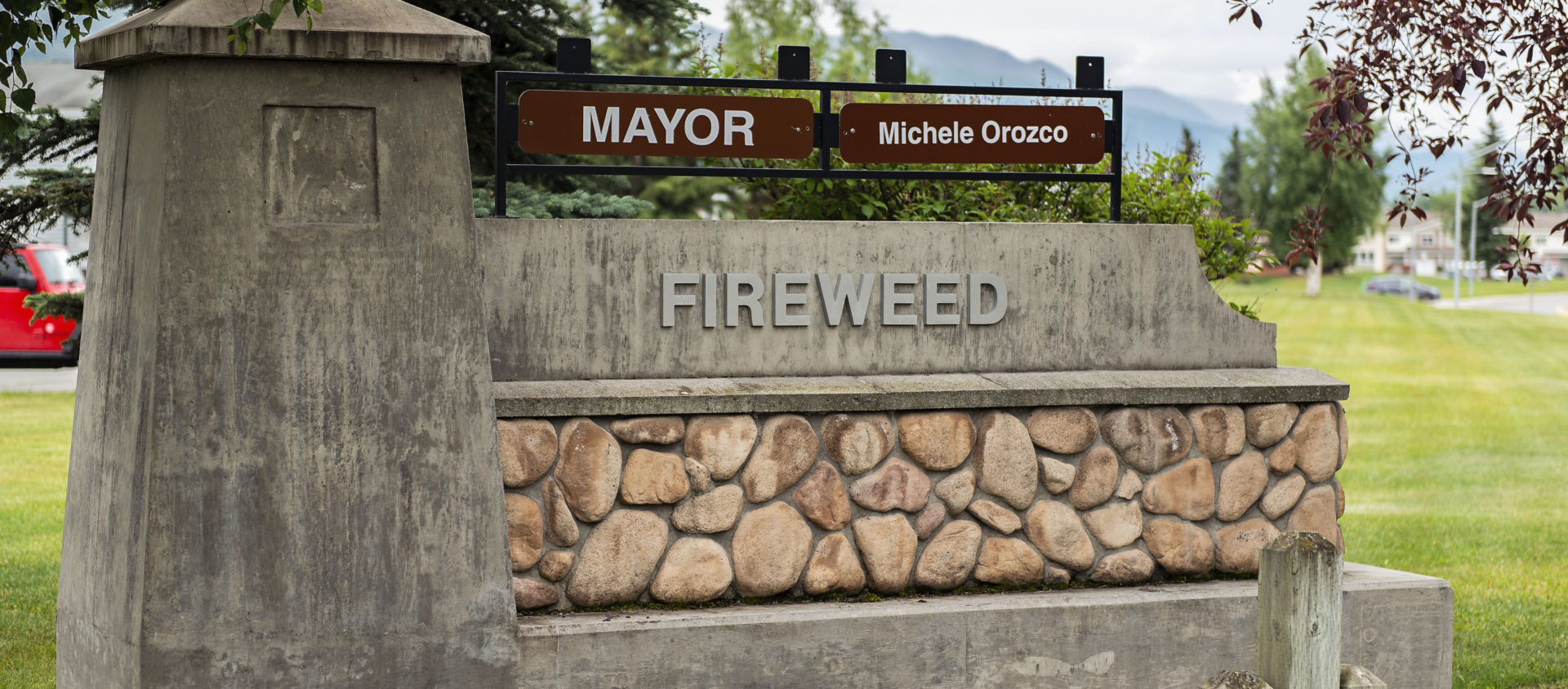 Fireweed neighborhood and monument sign